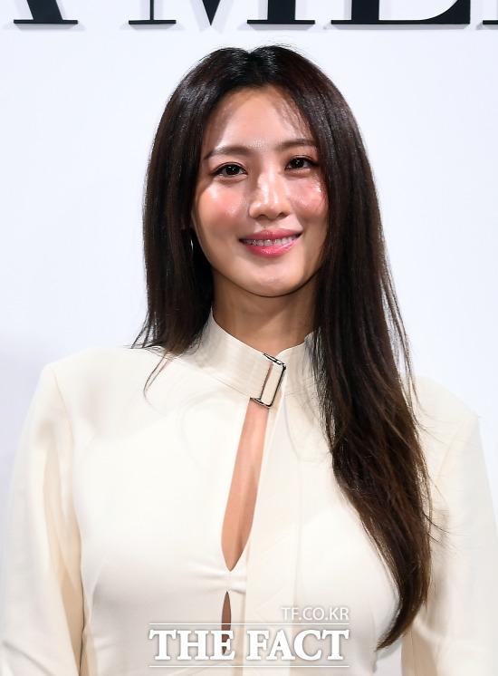 지난해 12월 결혼한 배우 수현이 임신 중이라고 밝혔다. /이동률 기자