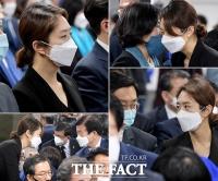 [TF사진관] '당선자' 고민정, '바쁘다 바빠~'