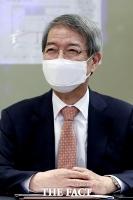 [TF포토] 미소짓는 정운찬 KBO 총재