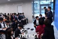 [TF포토] '김정은 위독?' 질의 답변하는 윤상현