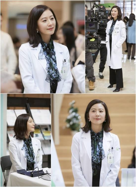 부부의 세계에서 김희애는 의사 지선우 역을 맡아 남편의 외도를 알고 복수하는 인물이다. /JTBC 부부의 세계 비하인드 컷