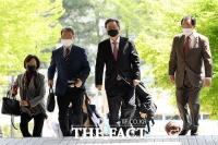 [TF포토] 법원 출석하는 우병우 전 민정수석