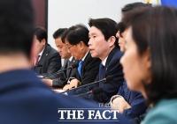 [TF사진관] 정책조정회의에서 발언하는 이인영 원내대표