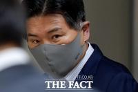 [TF포토] 공판 출석하는 홍문종 대표