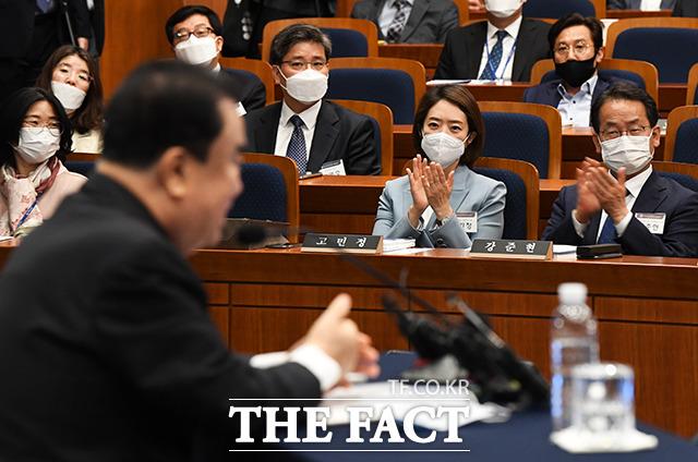 문희상 국회의장 특강 듣는 고민정 더불어민주당 당선인(가운데)