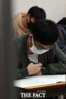 [TF사진관] 코로나19 여파 '달라진 모의고사 풍경'