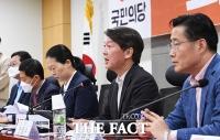 [TF사진관] '방호복 벗고 국회로 돌아온 안철수'