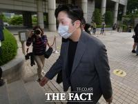[TF사진관] '故 구하라 폭행·협박 혐의' 항소심 출석하는 최종범