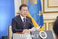긴급재난지원금 소비 효과 '톡톡'…文대통령
