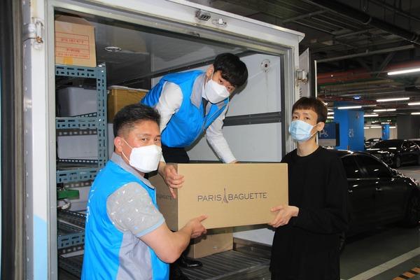 SPC그룹은 질병관리본부 1339 콜센터 상담원에게 빵과 생수를 추가 지원했다고 27일 밝혔다. /SPC그룹 제공