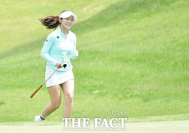 미녀 골퍼 안소현이 그린 위를 달리는 이유는?