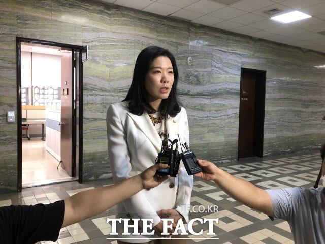 의사 출신인 신현영 민주당 의원은 코로나 19 사태 관리 강화를 위한 정부조직법 개편안을 두 번째로 제출했다. /문혜현 기자