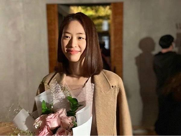 배우 이연희가 2일 연상의 비연예인과 결혼식을 올린다. 결혼식 장소와 시간은 비공개다. /이연희 SNS