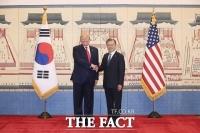 [TF초점] 선진국 대열 합류 성큼…文, 방역·경제 '역할론'