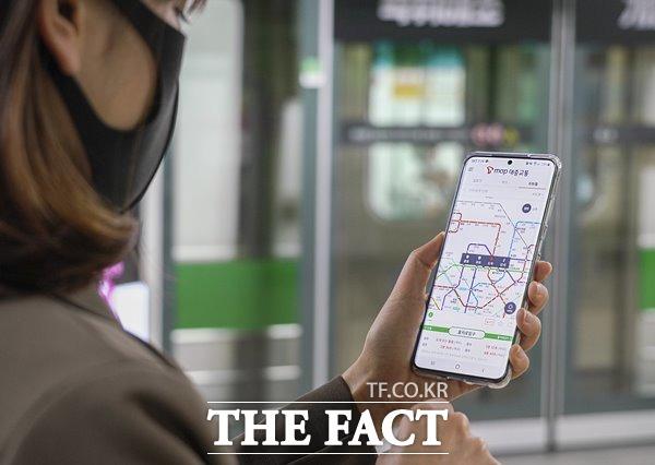 SK텔레콤이 T맵 대중교통에서 지하철의 열차 혼잡 예측 정보를 제공한다. /SK텔레콤 제공