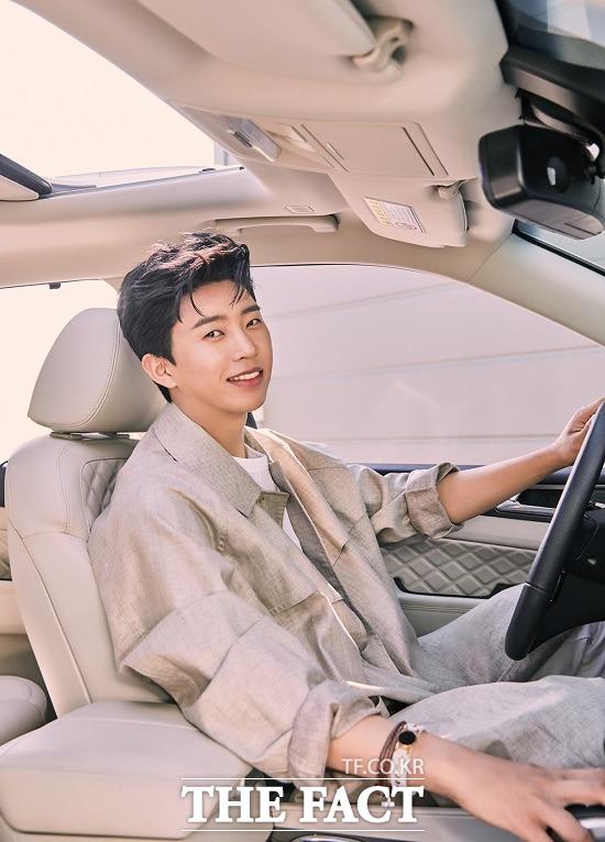 쌍용차가 자사 플래그십 SUV G4 렉스턴 광고 모델 임영웅과 브랜드화보를 제작했다고 3일 밝혔다. /쌍용차 제공