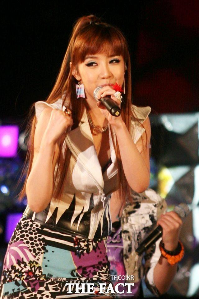 강력 퍼포먼스로 무대장악 제6회 2009 아시아송 페스티벌에 참석한 2NE1 박봄.