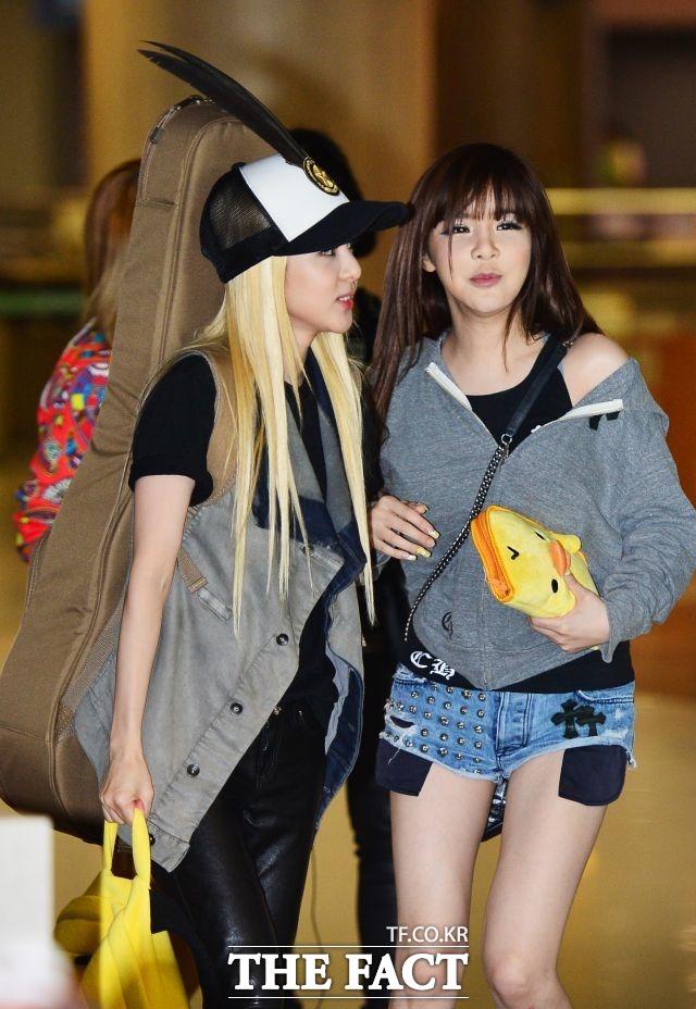 2NE1 시절 산다라박과 박봄 2013년 8월 25일 해외공연을 마치고 인천국제공항으로 귀국하는 박봄.