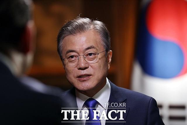 남북관계가 파국으로 치닫고 있다. 지난 4일부터 대남 공세를 지속하고 있는 북한을 대화 테이블로 끌어낼 카드가 마땅치 않다는 점에서 문재인 대통령의 고민은 깊어질 것으로 보인다. /청와대 제공