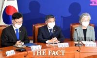 [TF포토] 대북 대응 놓고 심각한 통일-국방-외교부