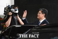 [TF사진관] '악화된 남북관계'…통일부 떠나는 김연철 장관