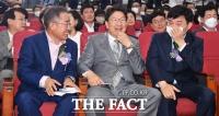 홍준표, '복당 깜깜이' 속 통합당 '훈수 정치' 지속
