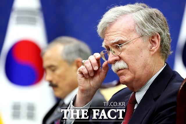 존 볼턴 전 백악관 국가안보보좌관이 회고록(그것이 일어난 방)을 통해 문재인 대통령의 대북 비핵화 구상을 겨냥해 '조현병 환자 같은(Schizophrenic) 생각들'이라고 비유했다. /더팩트 DB