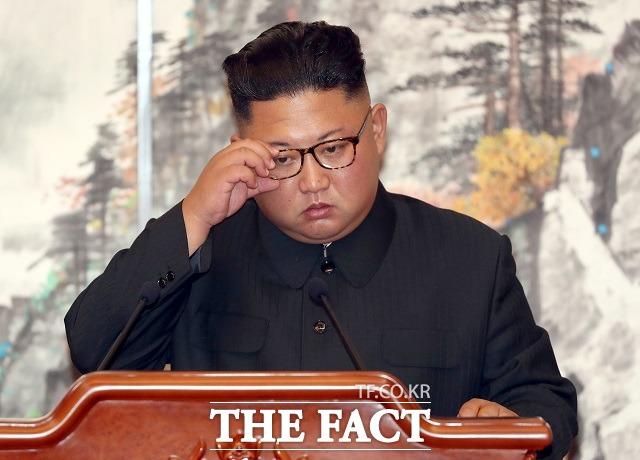 김정은 북한 국무위원장이 지난 24일 대남 군사행동 계획을 전격 보류하면서 남북관계에도 변화가 생길지 관심이 쏠린다. /평양사진공동취재단
