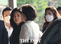 [TF현장] '서경배 딸' 서민정·'홍석준 아들' 홍정환 약혼식…삼성家 등 '총출동'