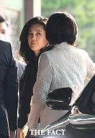 [TF포토] 서민정 약혼식 참석하는 이부진-홍라희
