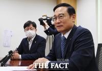 [TF포토] 전당대회 불출마 의사 밝히는 홍영표 의원