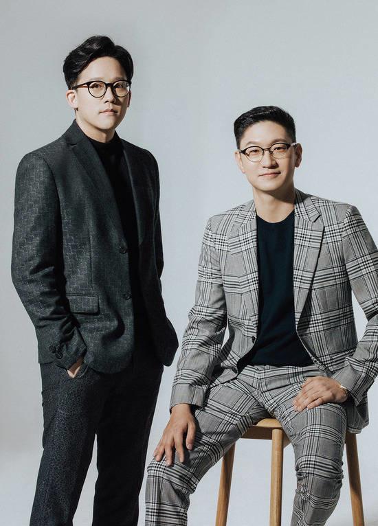 이성수(왼쪽) 음악 제작 총괄 이사와 탁영준 가수 매니지먼트 총괄 이사가 지난 3월 이사회를 통해 공동 대표이사가 됐다. 탁영준(CMO) 대표이사와 이성수(CEO) 대표이사는 이후 4개월 동안 SM을 성공적으로 이끌고 있다. /SM엔터 제공