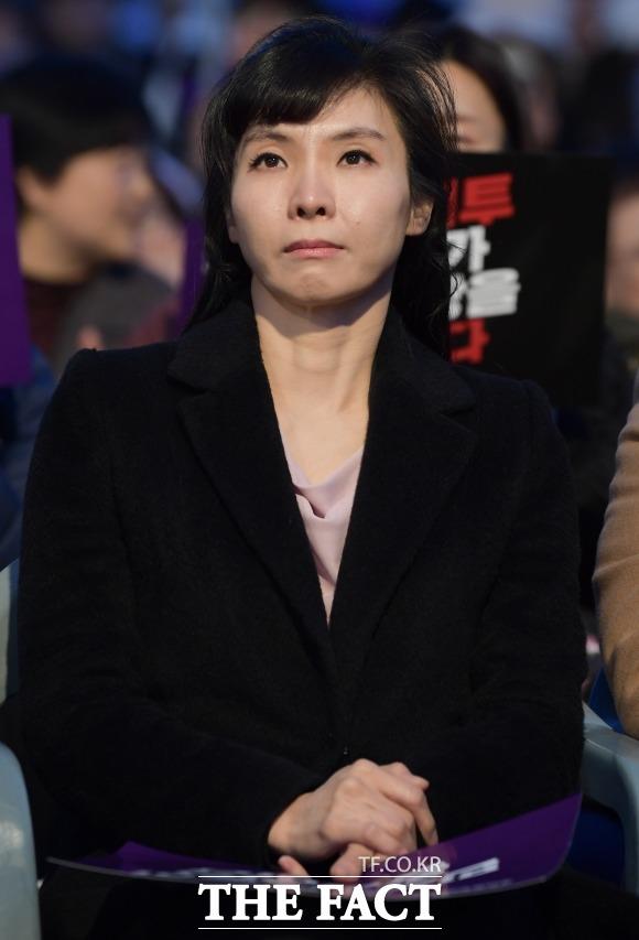 서지현 검사는 7일 자신의 페이스북에 (손정우 법원 결정문이) 처음부터 끝까지 틀렸다며 법원의 판단을 강하게 질타했다. /김세정 기자