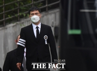 [TF포토] 모친 발인 참석한 안희정 전 지사