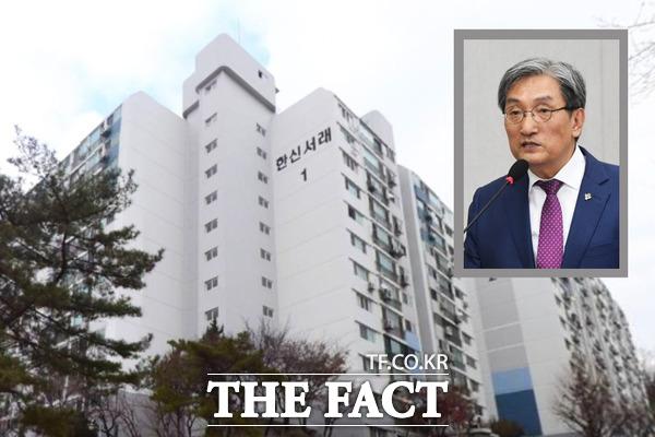 여론의 뭇매 속 노영민 대통령 비서실장이 서울 서초구 소재 한신서래아파트를 '부랴부랴' 매각하겠다고 밝혔다. /윤정원·배정한 기자