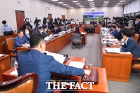 [TF사진관] 외통위, '이인영 인사청문회 계획안 의결'