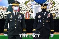 [TF사진관] '백선엽 장군 대전현충원에서 영면'… 안장 이견에 시민단체 충돌