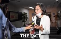 [TF포토] 여성폭력방지위원회 긴급회의 참석하는 이수정 교수