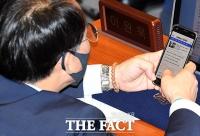 [TF주간政談] '대통령 연설'보다 '이재명 재판'이 더 궁금한 여당 의원