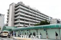 [TF포토] '일부 비자 발급 재개' 미대사관 앞 길게 늘어선 대기 줄