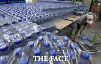 [TF포토] '수돗물 유충' 사태에 판매량 급증한 생수