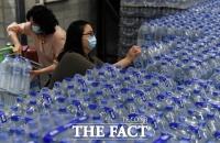 [TF포토] 수돗물 불안, 생수 찾는 시민들