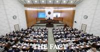 기표소 안에서 후보 홍보…서울시의회 의장단 선거 논란