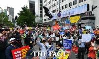 [TF사진관] 정부의 부동산 헛발질... '신발 던져 항의한다!'
