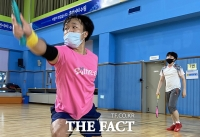 [TF사진관] 마스크 쓰고 즐기는 배드민턴