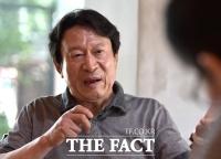 [강일홍의 스페셜인터뷰99-김응수] 연기 40년, '타짜 곽철용' 뛰어넘은 '꼰대 이만식'