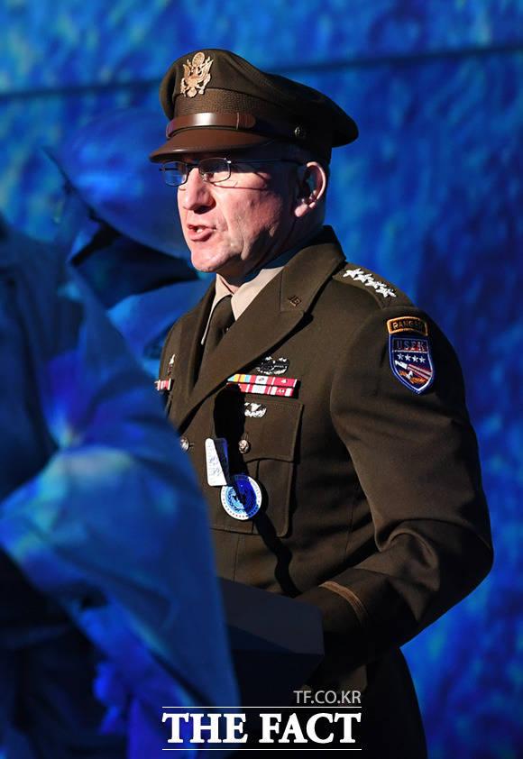 기념사 하는 로버트 에이브럼스 주한미군사령관