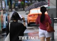 [오늘의 날씨] 전국 장맛비 지속…남해안 돌풍 동반한 강한비