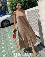 패션 뷰티 모델 허애선, 구릿빛 피부 흑발 변신 매력발산