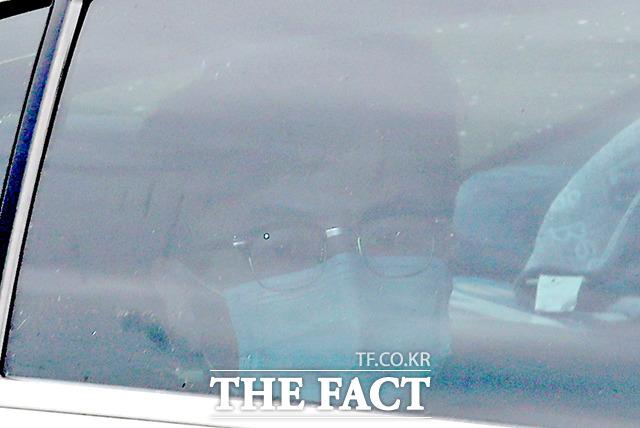 한동훈 검사장이 24일 오후 서울 서초구 대검찰청에서 열린 검언유착 의혹 관련 수사심의위원회에 참석하기 위해 차를 타고 청사 안으로 들어가고 있다./이선화 기자